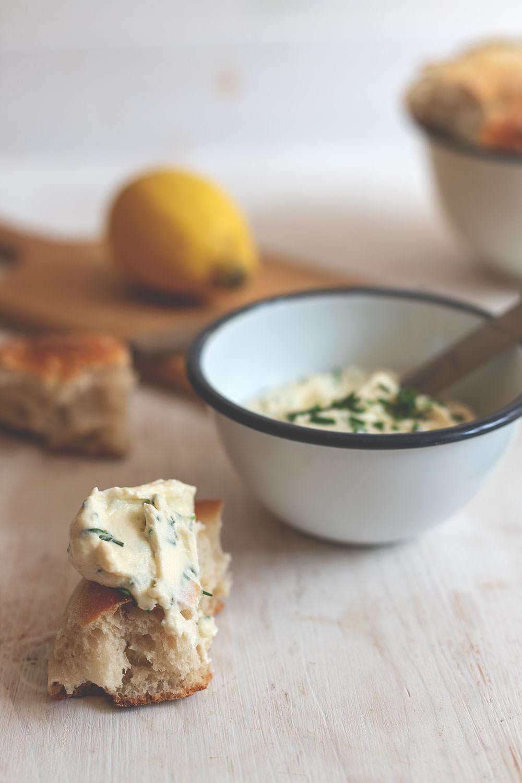 Rezept für selbst gemachten Frischkäse aus Vollmilch | Thermomix-Donnerstag (TM5) | moeyskitchen.com