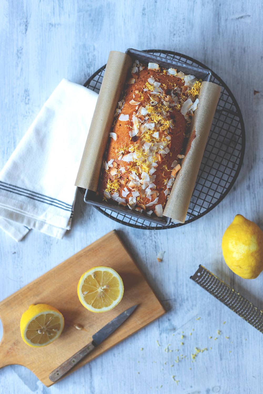 Rezept für schnellen Kokos-Zitronen-Kuchen | moeyskitchen.com
