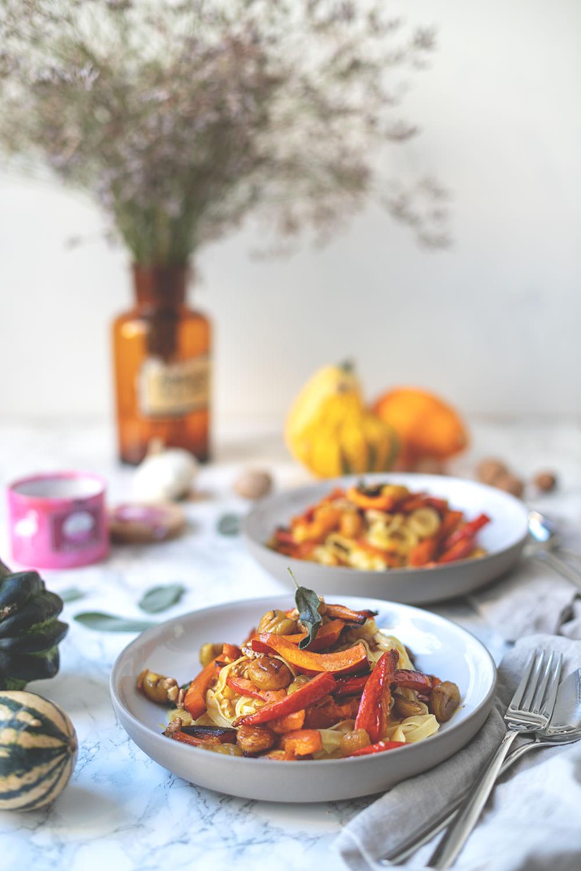 Rezept für Frische Pasta mit Maronen, Kürbis, Salbei und Roquefort #francebonappetit | moeyskitchen.com #frankreich #foodblog #rezept #kürbis #maronen #roquefort #vegetarisch #pasta