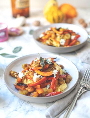 Schnelle Pasta mit Maronen, Kürbis, Salbei und Roquefort | einfach und gut mit französischen Zutaten | moeyskitchen.com #pasta #rezept #foodblog #maronen