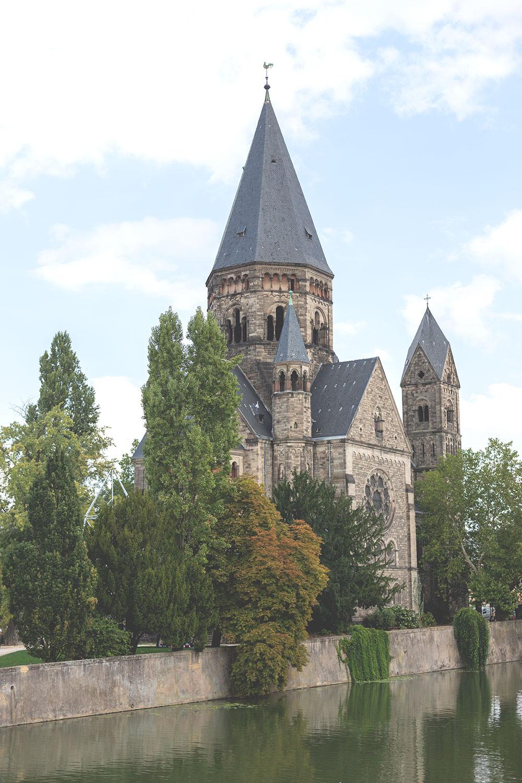 Tagesausflug nach Metz und Rezept für Quiche Lorraine (Lothringer Speckkuchen) | Temple Neuf an der Mosel in Metz | moeyskitchen.com