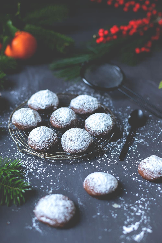 Rezept für schnelle, knusprige Espresso-Walnuss-Kekse | super einfach und schnell - so wird Weihnachten entspannt! | moeyskitchen.com #weihnachtsplätzchen #weihnachtskekse #cookies #plätzchen #rezepte #foodblog #weihnachten