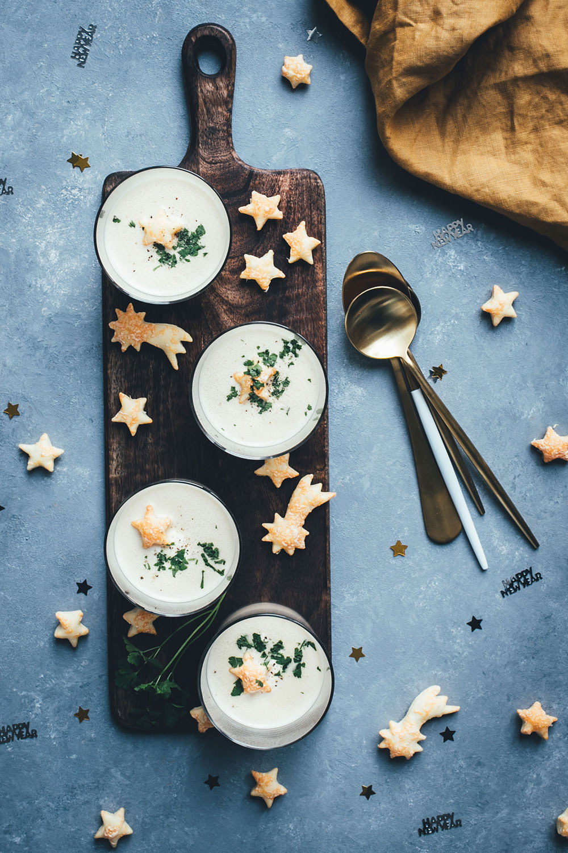 Riesling-Sekt-Suppe zu Silvester (Werbung) | moeyskitchen.com #rieslingsekt #riesling #sekt #suppe #sektsuppe #silvester #foodblogger #rezepte