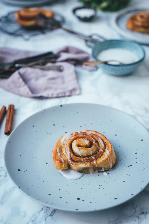 Rezept für dänische Zimtschnecken / Kanelsnegle | super schnell und einfach zu machen | moeyskitchen.com