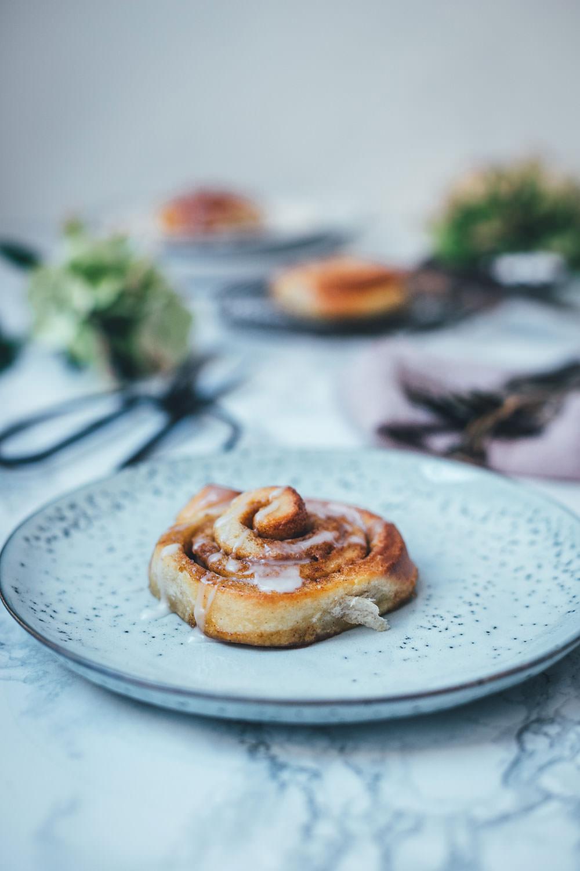 Rezept für dänische Zimtschnecken / Kanelsnegle | super schnell und einfach zu machen | moeyskitchen.com #kanelsnegle #zimtschnecken #cinnamonbuns #rezepte #foodblog