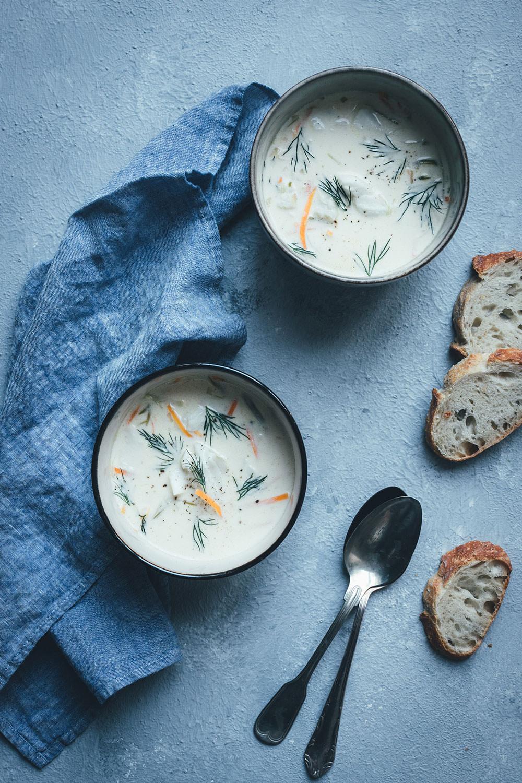 Werbung: Rezept für norwegische Fischsuppe mit Skrei | Fiskesuppe / Torskesuppe | mit Gemüse, Sahne und Crème fraîche | moeyskitchen.com #skrei #fischsuppe #seafoodfromnorway #norwegen #visitnorway #lofoten