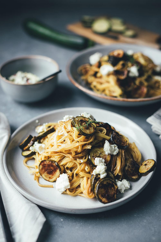 Rezept für Pasta und Ofen-Zucchini mit Aceto Balsamico di Modena g.g.A. (Werbung) | moeyskitchen.com #pasta #nudeln #spaghetti #fettuccine #balsamico #acetobalsamico #acetobalsamicodimodena #zucchini #courgette #sommer  #foodblogger #rezepte