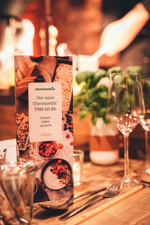 Rezept für Crema catalana - katalanische Creme | ein typisch spanisches Dessert | zubereitet mit dem Thermomix® TM6 - inklusive Produktvorstellung | außerdem mit Rezept zur Zubereitung im Topf auf dem Herd | moeyskitchen.com #cremacatalana #katalanischecreme #creme #dessert #spanisch #thermomix #tm6 #tm5 #tm31 #thermomixrezepte #rezepte #foodblogger #nachtisch
