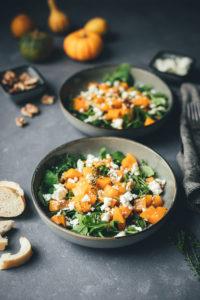 Lauwarmer Kürbis-Salat mit Rucola, Feta und Walnüssen