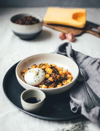 Rezept für Balsamico-Linsen mit Aceto Balsamico di Modena g.g.A., gebratenem Kürbis und Burrata | lauwarmer Salat für den Herbst und Winter | moeyskitchen.com #balsamico #balsamicolinsen #acetobalsamicodimodena #kürbissalat #linsensalat #burrata #rezepte #foodblogger #herbstrezepte #winterrezepte