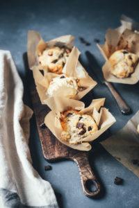 Bananen-Muffins mit Walnusskernen und Schokoladen-Stückchen zum 9. Bloggeburtstag