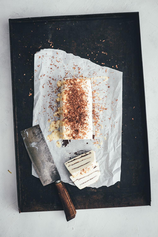Eierlikör Parfait mit Knusperschokolade zum Food.Blog.Friends Osterbrunch von Die Jungs kochen und backen
