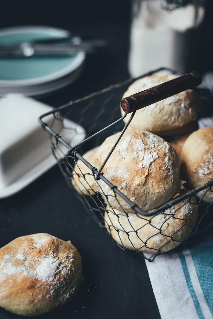 Rezept für knusprige Kartoffelbrötchen | einfaches Thermomixrezept | moeyskitchen.com #rezepte #backen #brotbacken #brötchen #brot #kartoffelbroetchen #thermomix #thermomixrezept #foodblogger