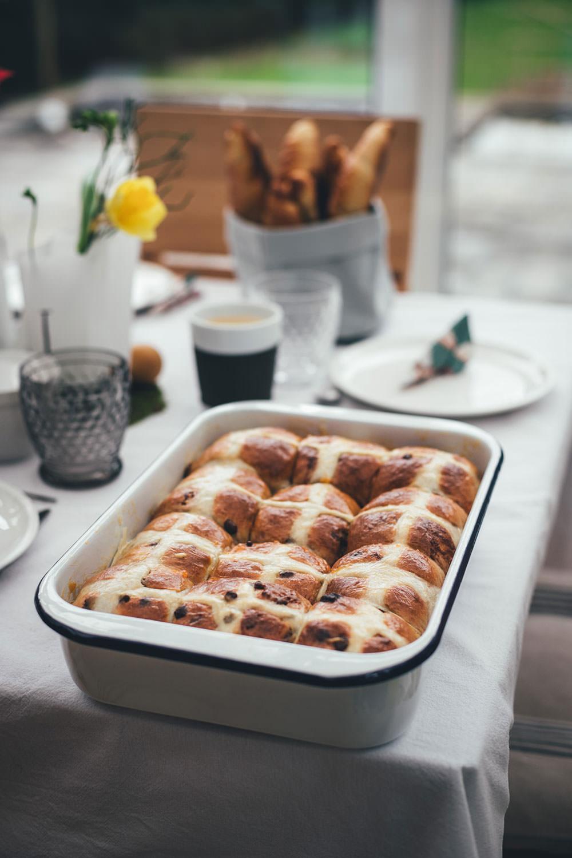 Mallorquinischer Mandelkuchen | Rezept für saftigen Mandelkuchen ohne Mehl und Butter | moeyskitchen.com #rezepte #backen #kuchen #mandelkuchen #mallorca #mallorquinischermandelkuchen #glutenfrei #kuchenohnemehl #foodblogger
