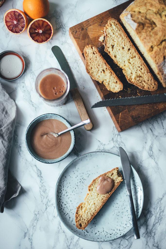 Rezept für irisches Soda-Bread | einfaches Brot, das mit Natron gebacken wird | moeyskitchen.com #sodabread #brot #brotbacken #einfachesbrot #rezepte #foodblogger