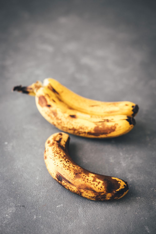 Rezept für Tiger Banana Bread – Bananenbrot mit Erdnussbutter und Schokolade | moeyskitchen.com #bananenbrot #bananabread #bananen #schokolade #erdnussbutter #kuchen #backen #kuchenbacken #rezepte #foodblogger