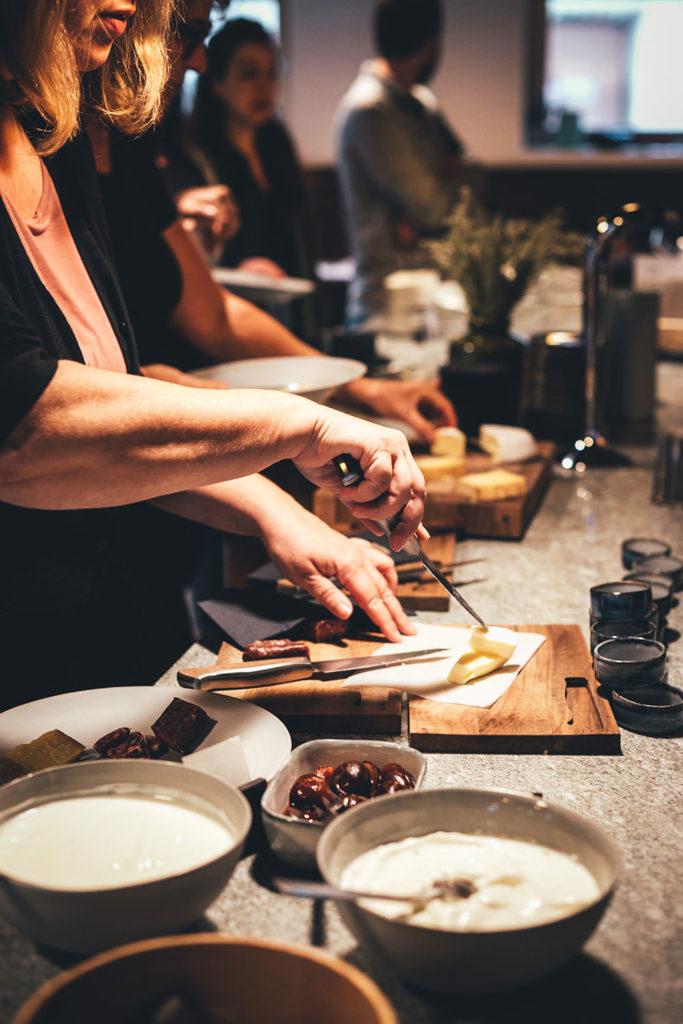 Frühstück in der Casa Caminada von Andreas Caminada (Fürstenau, Graubünden, Schweiz) | moeyskitchen.com #casacaminada #andreascaminada #fürstenau #graubünden #schweiz #foodblog #reisebericht