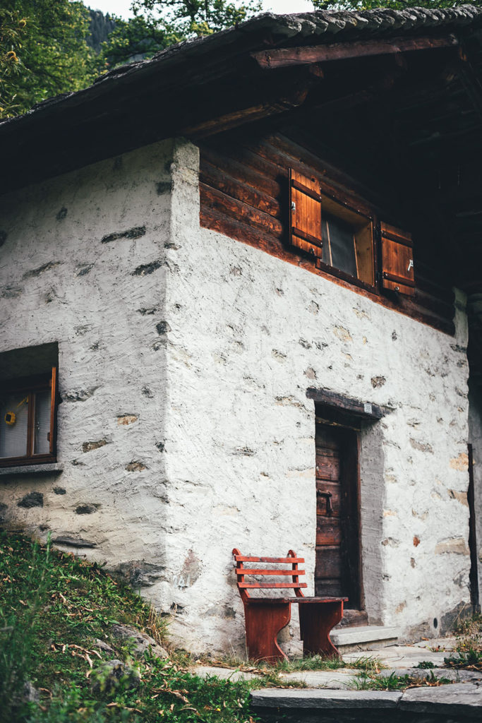 Cascina in den Kastanienselven in der Nähe von Castasegna im Bergell in der Schweiz (Graubünden) | moeyskitchen.com #kastanien #kastanienwald #kastanienselve #schweiz #bergell #graubünden #reise #reisebericht #blog