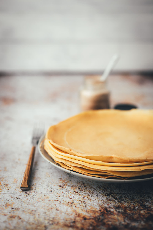Rezept für einfache Pfannkuchen | Grundrezept für Omas Klassiker | moeyskitchen.com #pfannkuchen #grundrezept #rezept #foodblog #pancake #eierkuchen #omasklassiker