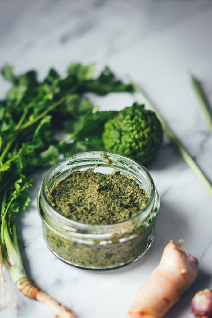 Rezept für grüne Currypaste für Thai-Curry | Grundrezept für den Thermomix | moeyskitchen.com