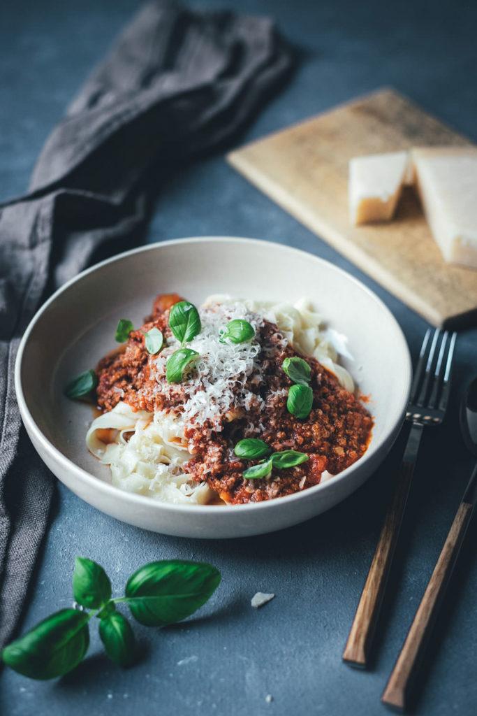 Ein Lieblingsrezept: Sauce Bolognese bzw. Ragú alla bolognese nach Marcella Hazan | moeyskitchen.com