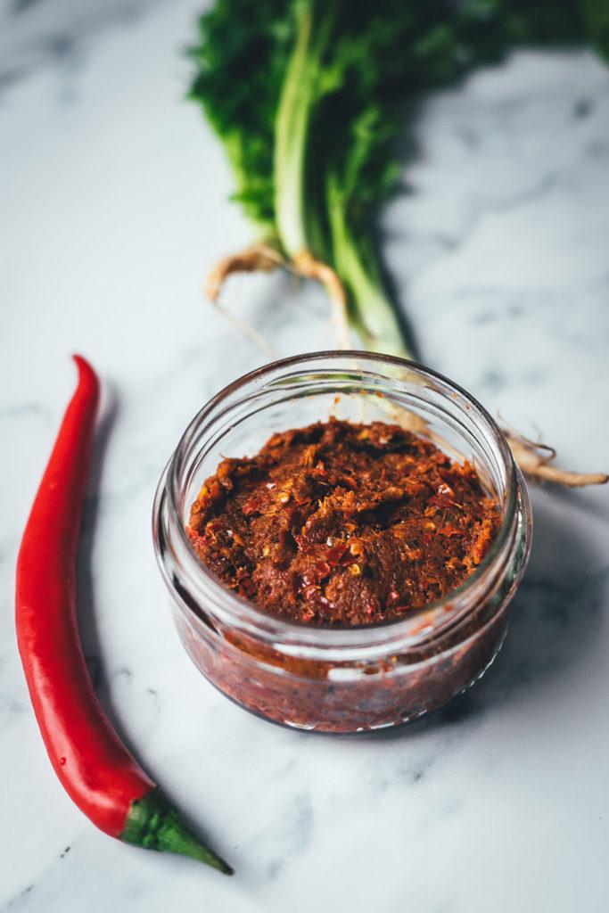 Rezept für rote Currypaste für Thai-Curry | Grundrezept für den Thermomix | moeyskitchen.com
