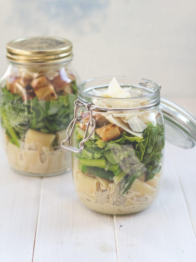 Caesar Pasta Spargel Salat im Glas - Rezept mit und ohne Thermomix | moeyskitchen.com