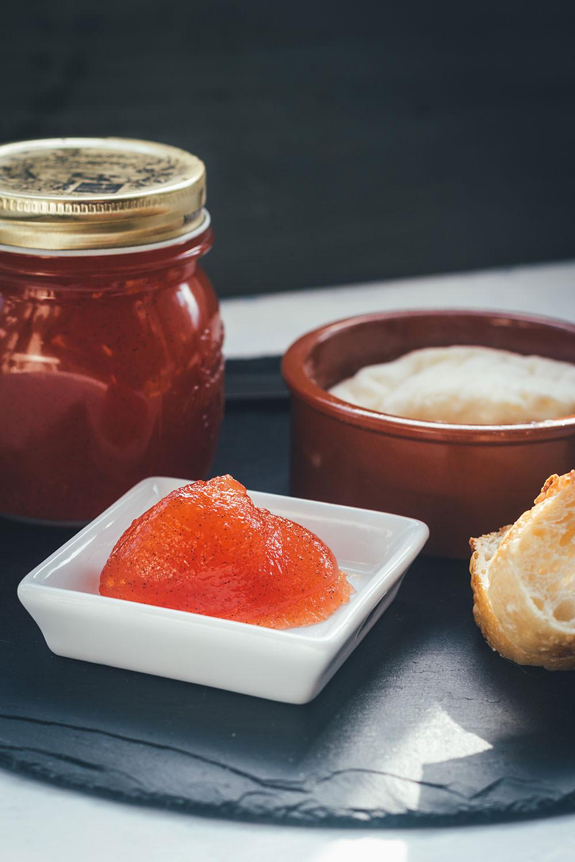 Rezept für Tomatenmarmelade | süßer Brotaufstrich aus reifen Tomaten | den Sommer perfekt konservieren | moeyskitchen.com
