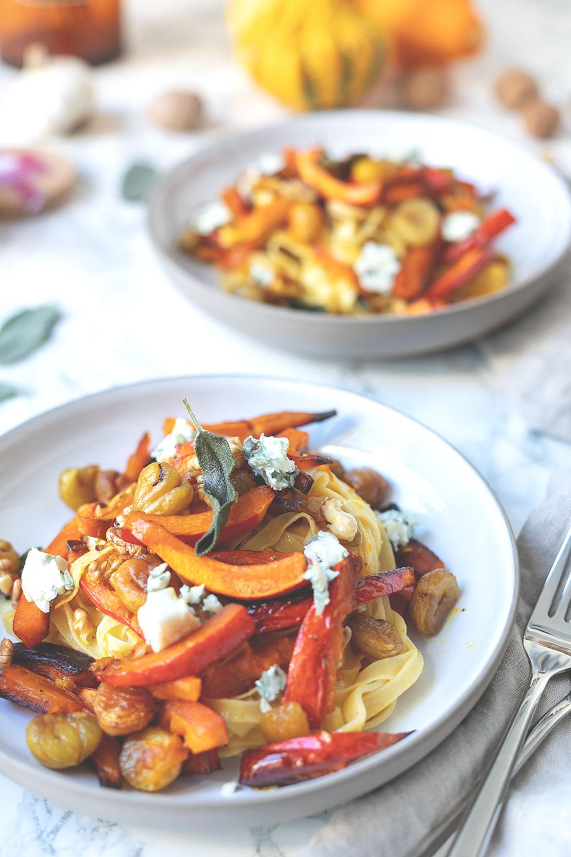 Schnelle Pasta mit Maronen, Kürbis, Salbei und Roquefort   einfach und gut mit französischen Zutaten   moeyskitchen.com